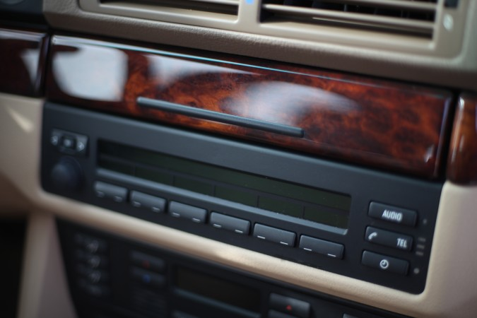 BMW 525i audio system