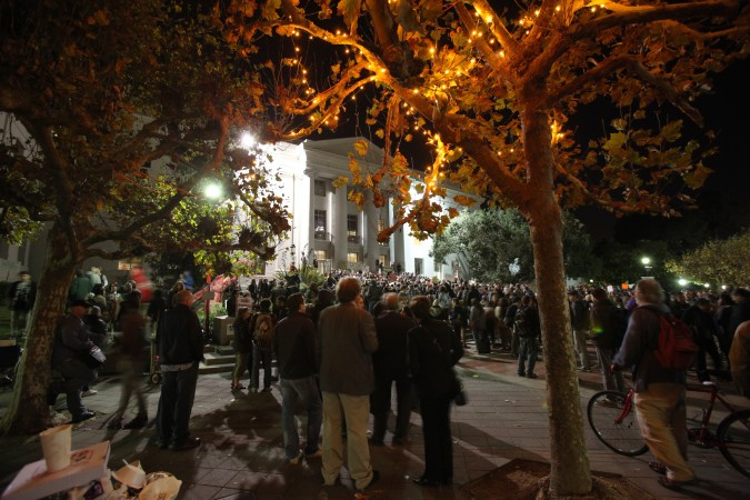 Sproul Hall after Robert Reich concluded his speech on the steps. UC Berkeley, November 15, 2011.