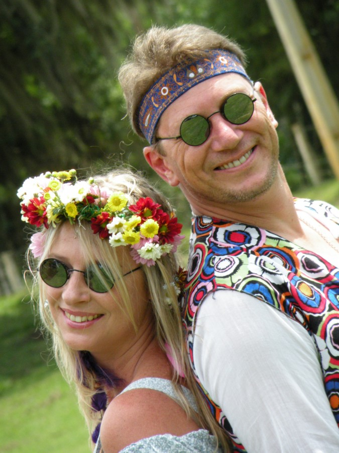 Hippy couple. Photo by Flickr user Emi PhotoArt.